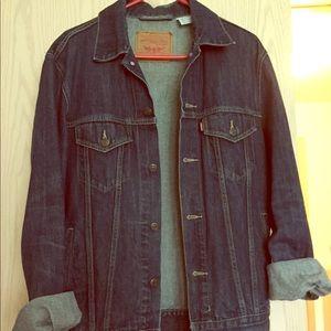 Vintage Levis Jean Jacket!❤️🕶